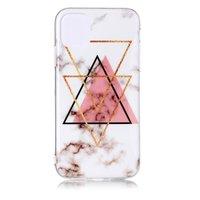 Coque en TPU pour iPhone 11 avec motif en marbre et triangle noir et rose